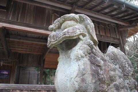日吉神社(神河町比延)の狛犬